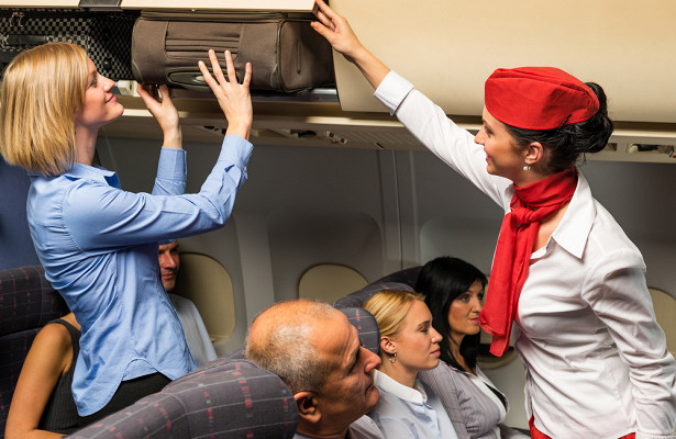 Плюсы и минусы работы стюардессой
