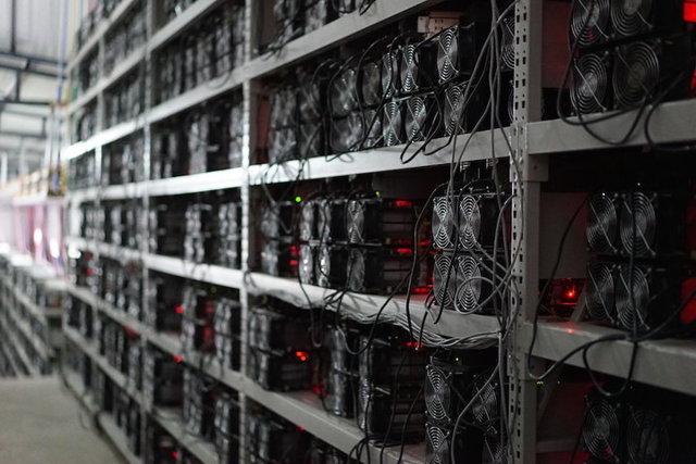 Стоит ли покупать биткоин: плюсы, минусы и риски