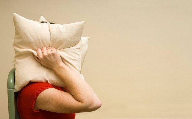 Стоит ли делать шумоизоляцию квартиры: плюсы и минусы