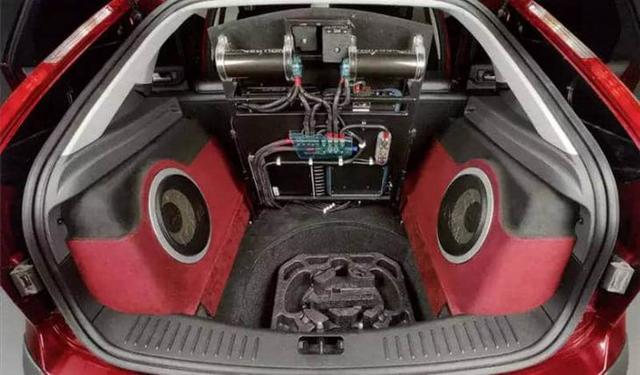 Стоит ли устанавливать сабвуфер в машину