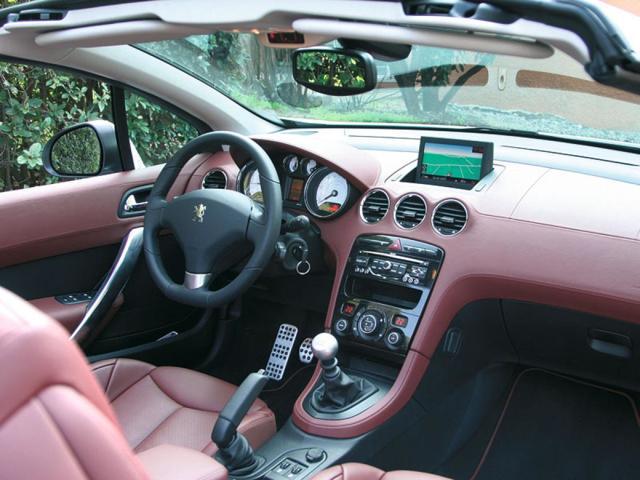 Стоит ли покупать автомобиль peugeot 308