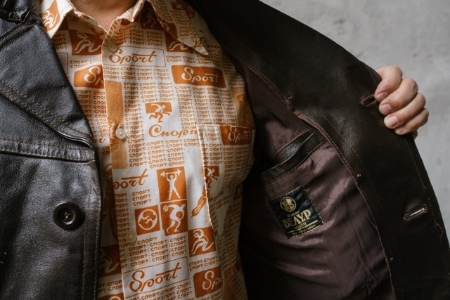 Стоит ли покупать одежду в Секонд-хенде?