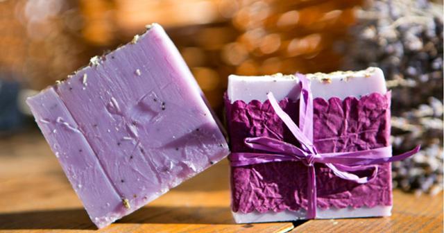 Плюсы и минусы использования хозяйственного мыла