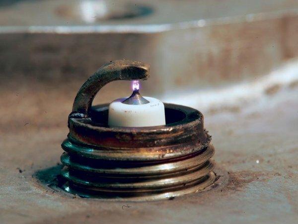 Стоит ли ставить иридиевые свечи вместо обычных: плюсы и минусы