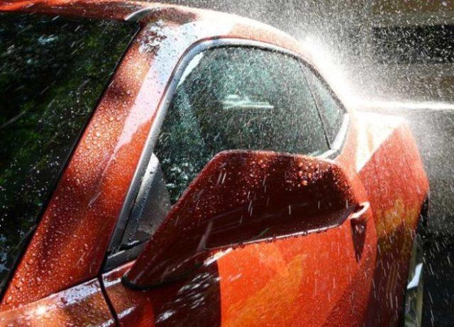 Стоит ли покрывать машину воском зимой — плюсы и минусы