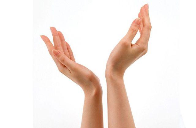 Брить ли руки девушки, если там растут волосы?
