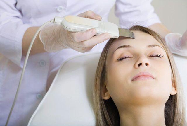 Химический пилинг лица — плюсы и минусы процедуры