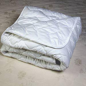 Одеяло из холлофайбера: преимущества и недостатки