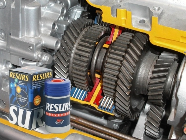 Нужно ли заливать присадки в двигатель: плюсы и минусы