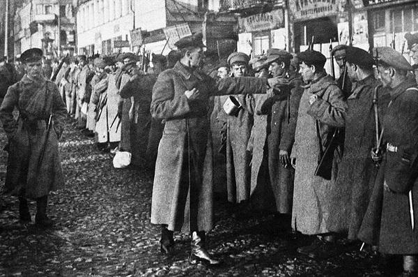 Плюсы и минусы военного коммунизма