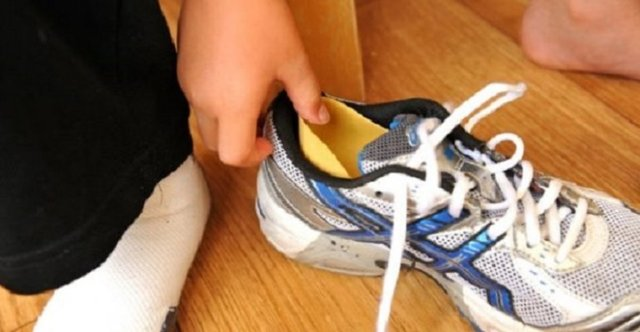 Стоит ли покупать обувь на один размер больше?
