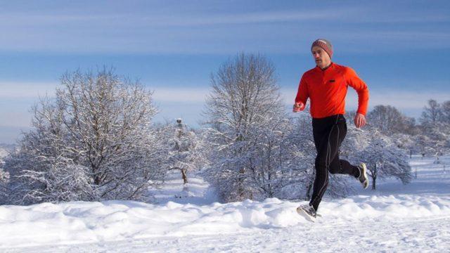 Стоит ли бегать зимой — плюсы и минусы пробежек на холоде