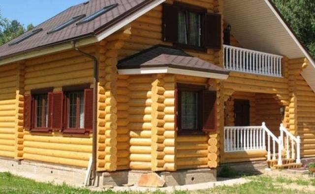 Дом из сруба: положительные и отрицательные стороны
