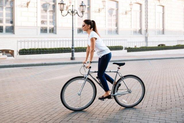 Езда на велосипеде — плюсы и минусы для человека