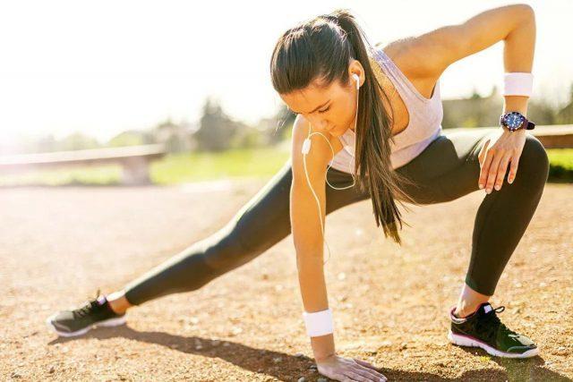 Стоит ли заниматься спортом во время месячных?