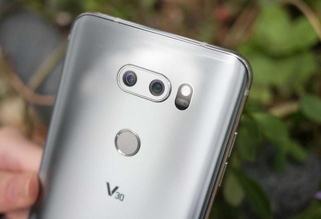 Смартфон lg v30: стоит ли брать, плюсы и недостатки