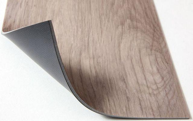 Кварцвиниловая плитка для пола, ее плюсы и минусы
