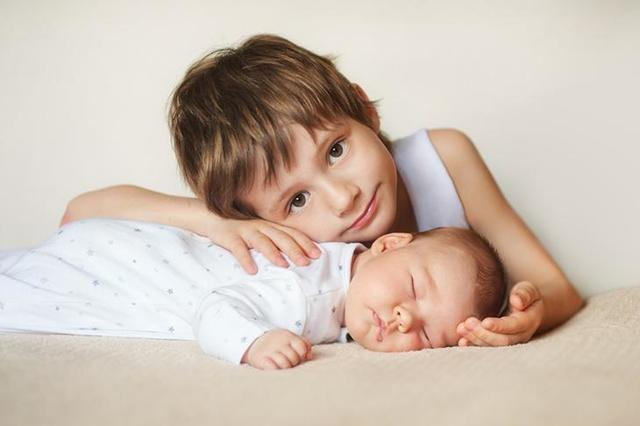 Плюсы и минусы иметь брата или сестру