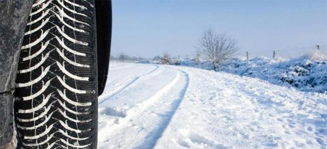 Стоит ли брать липучку на зиму: плюсы и минусы