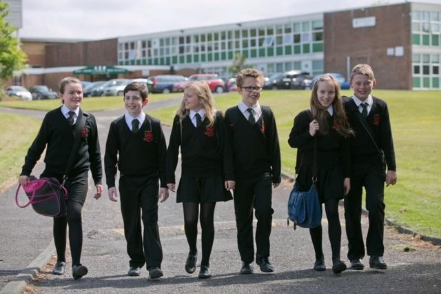 Плюсы и минусы школьной формы для детей