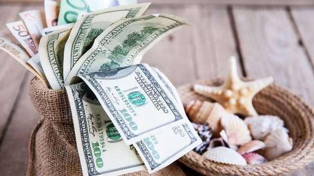 Брать ли кредит на отпуск — плюсы и минусы
