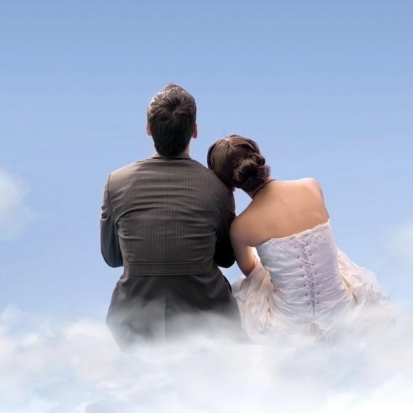 Стоит ли менять фамилию при замужестве?