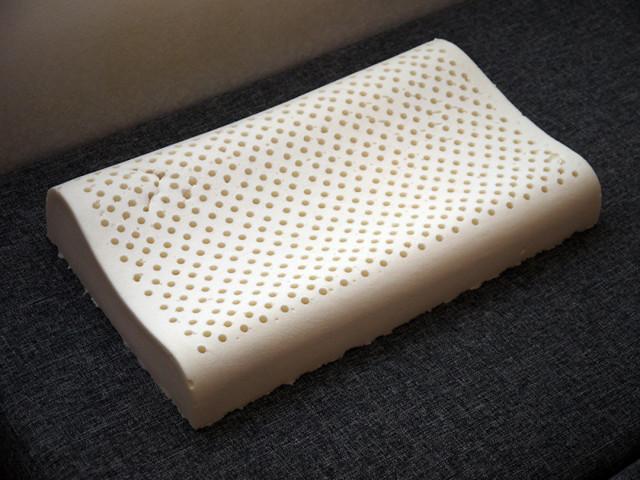 Подушки из латекса — плюсы и минусы покупки