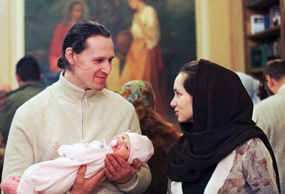 Стоит ли крестить ребенка?