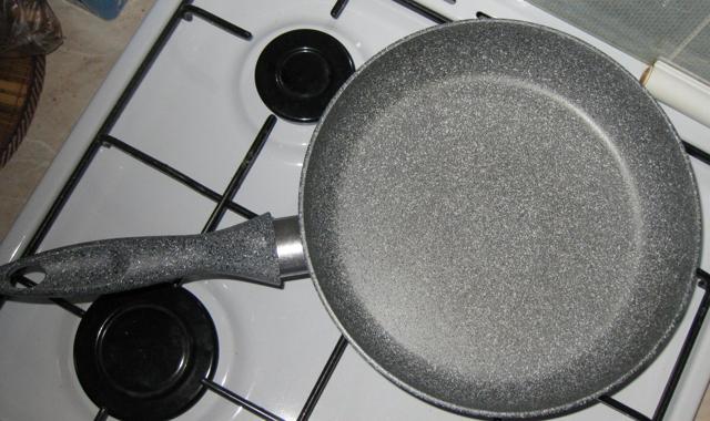 Сковорода с мраморным покрытием — плюсы и недостатки