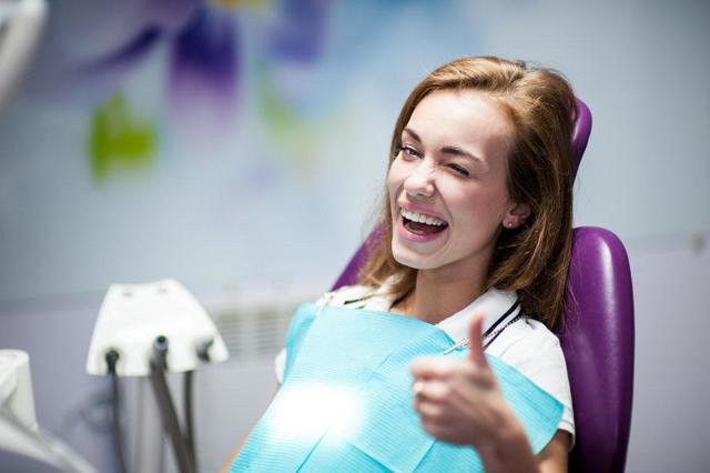 Стоит ли лечить зубы в бесплатной стоматологии: плюсы и минусы