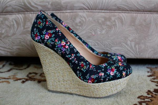 Минусы и плюсы обуви с высокими каблуками