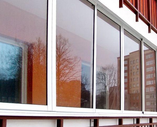 Стоит ли утеплять балкон: плюсы и минусы