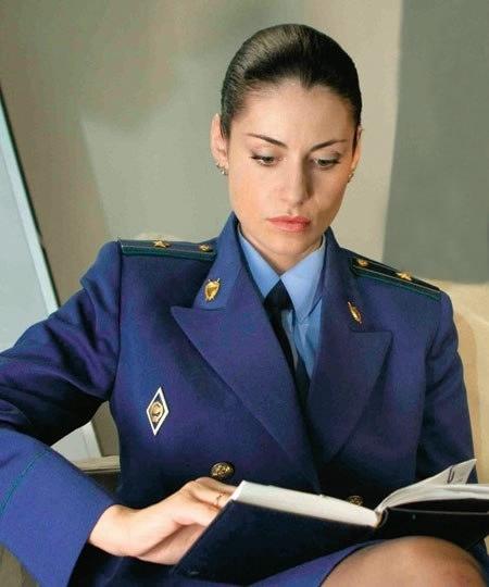 Работа следователя для девушки плюсы и минусы отзывы работа в нижняя тура