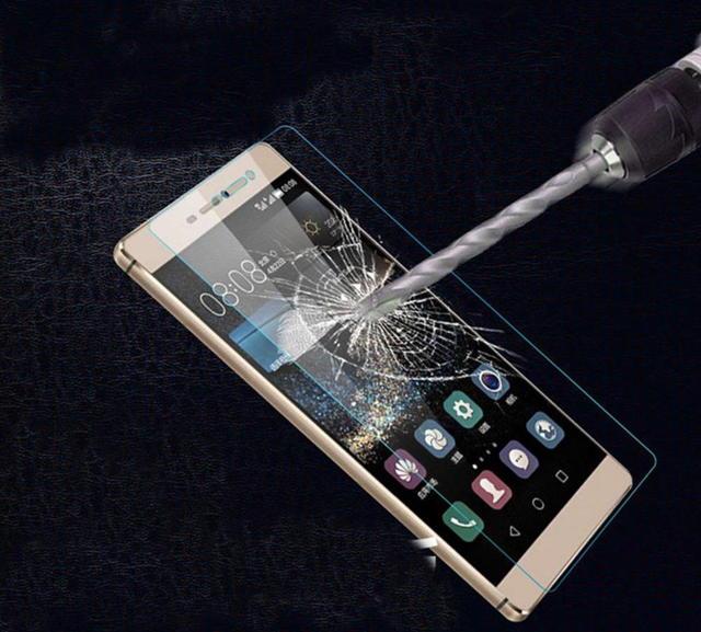 Стоит ли клеить защитные стекла на смартфон?