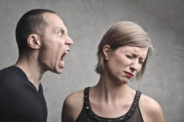 Стоит ли девушке унижаться перед мужчиной