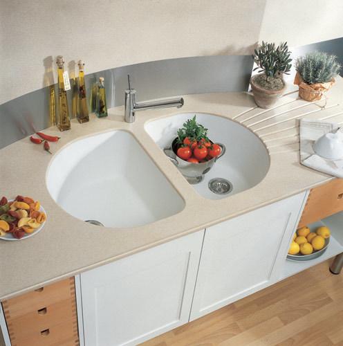 Каменная мойка для кухни: плюсы и минусы выбора