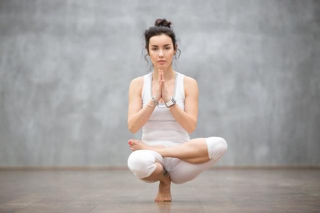 Йога — плюсы и минусы для здоровья