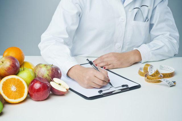Профессия диетолог — плюсы и минусы