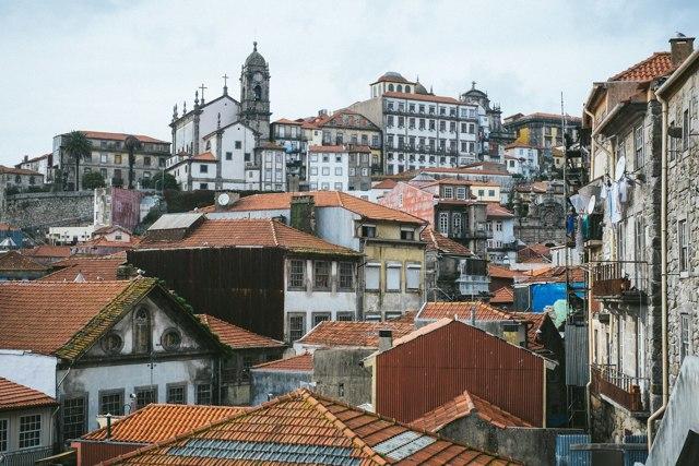 Плюсы и минусы жизни в Португалии
