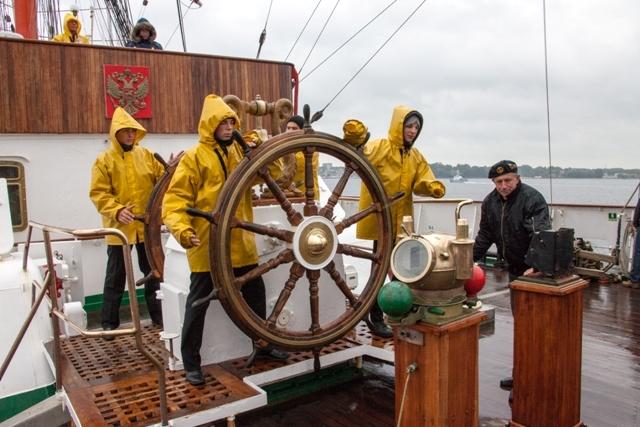 Стоит ли учиться на моряка: перспективы, плюсы и минусы