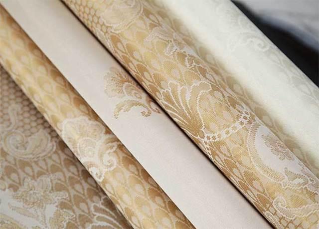 Текстильные обои — плюсы и минусы выбора