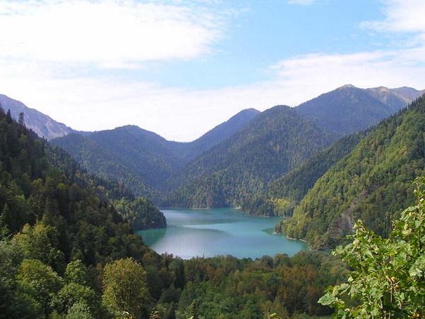 Плюсы и минусы отдыха в Абхазии