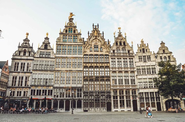 Стоит ли посетить Брюгге зимой: плюсы и минусы