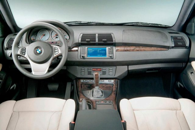 Плюсы и минусы автомобиля bmw x5