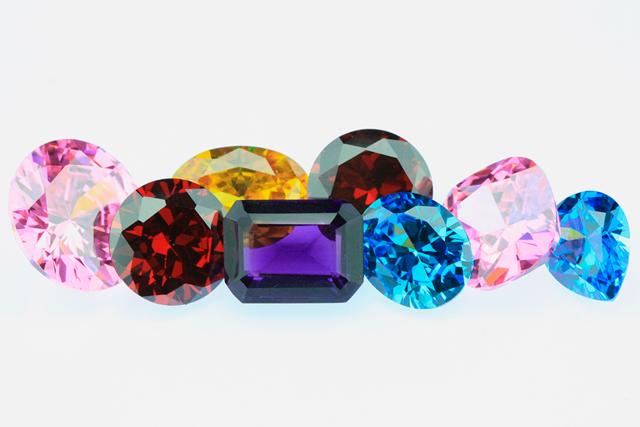 Стоит ли покупать кольцо с бриллиантом?