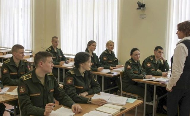 Военный переводчик — плюсы и минусы профессии